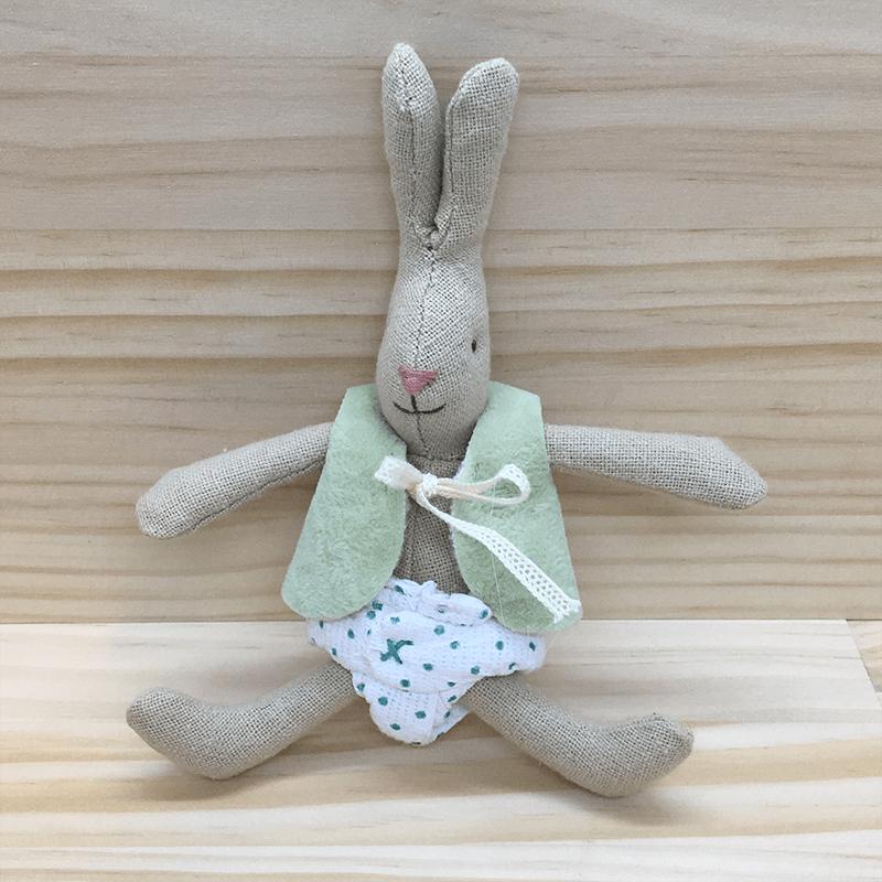 Micro rabbit con pañal